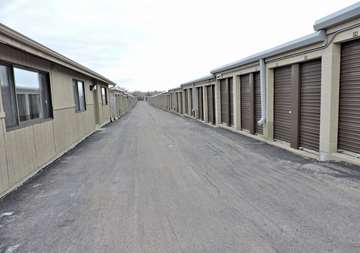 Self Storage Drive Up Units in Bloomingdale