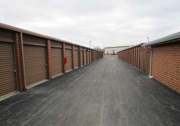 Self Storage Drive Up Units in Crestwood