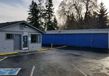 Outside front view of SmartStop Self Storage facility in Everett Washington