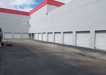 Self Storage Drive Up Units in Doral