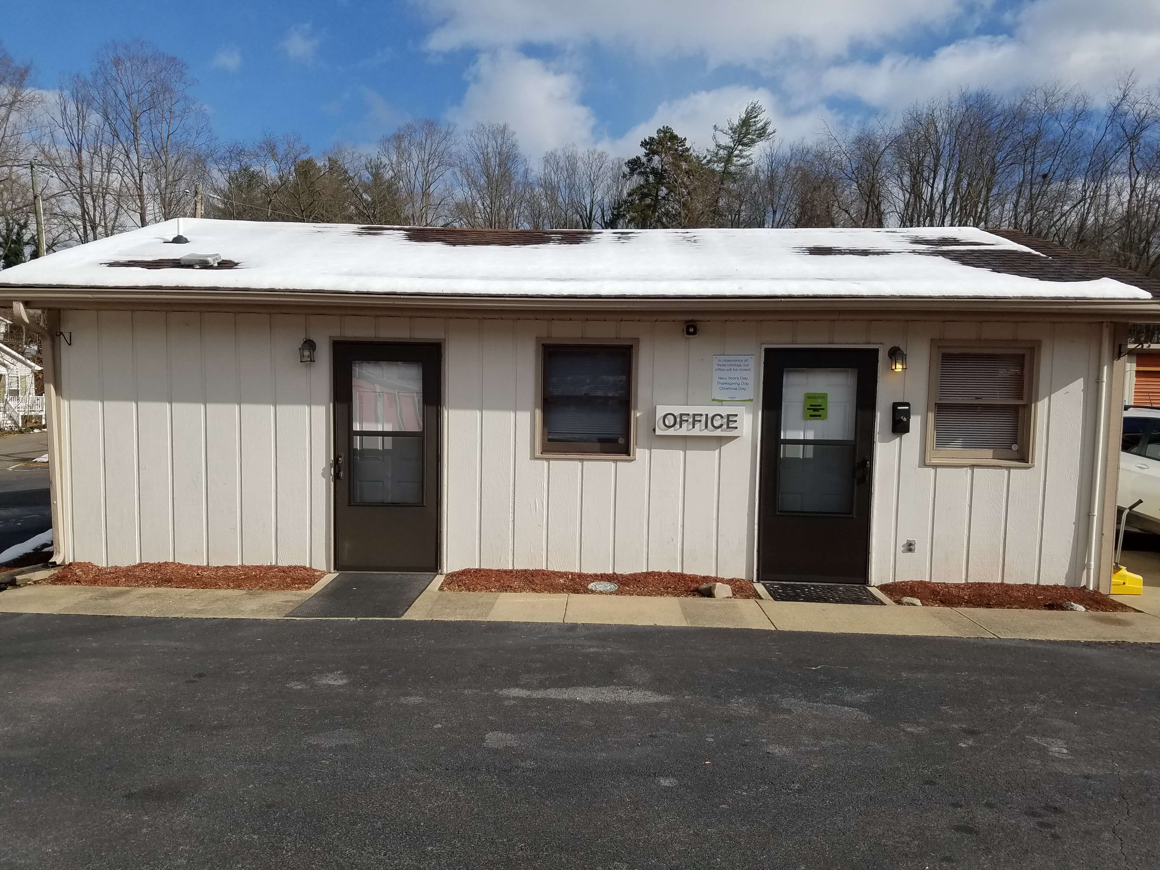 Front office at Smart Stop self storage facility located at 40 Wilmington, Asheville North Carolina