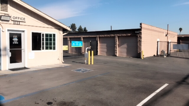 Self Storage Drive Up Units in Azusa