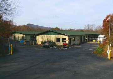 Front entry view of SmartStop Self Storage facility located at 197 Deaverview Road, Asheville North Carolina
