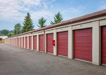 Drive Up Units at Smart Stop Self Storage facility in Puyallup Washington