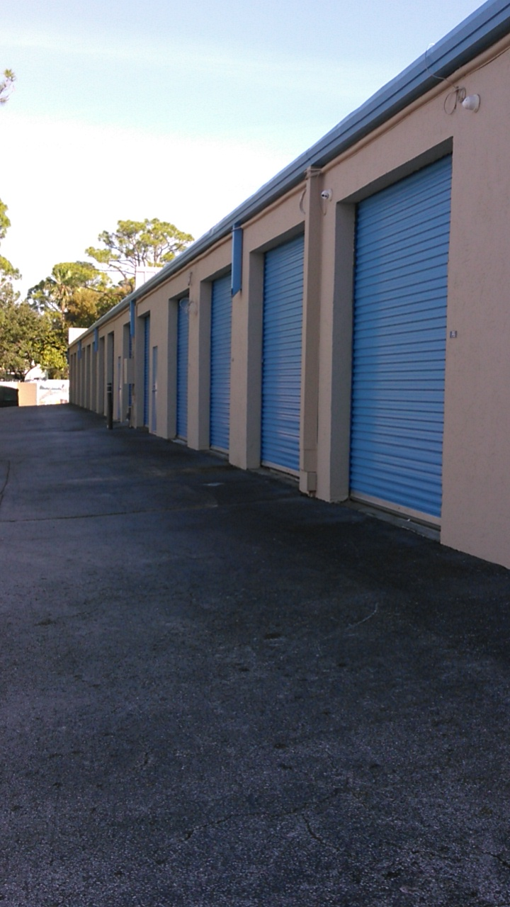Self Storage Drive Up Units in Jupiter