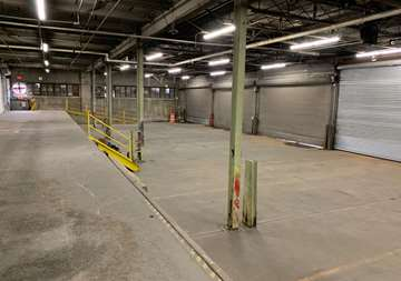 All weather loading bay in Newark Near Elizabeth