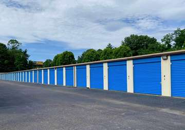 Outside row of storage units at SmartStop Self Storage facility located at 40 Wilmington, Asheville North Carolina
