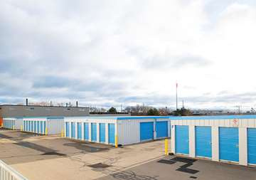 SmartStop Self Storage - 480 S. Service Rd W, Oakville, ON L6K 2H4 - Outdoor Units