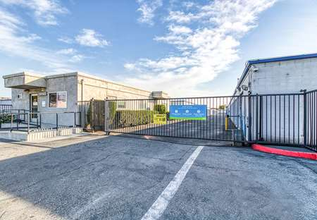 SmartStopSelfStorage-Santa Ana CA-4200 Westminster Avenue-Security