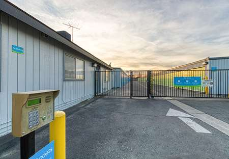 SmartStopSelfStorage-LancasterCA-43745SierraHwy-Security