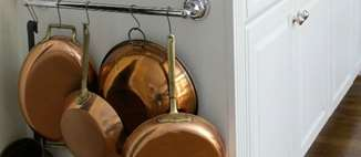 Easy Solutions For Organizing Pots and Pans