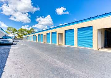 SmartStopSelfStorage-JupiterFL-2581JupiterParkDr-Parking