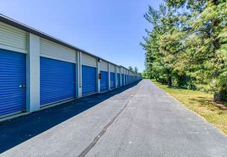 SmartStopSelfStorage-BeverlyNJ- 4233Route130S-DriveUpUnits