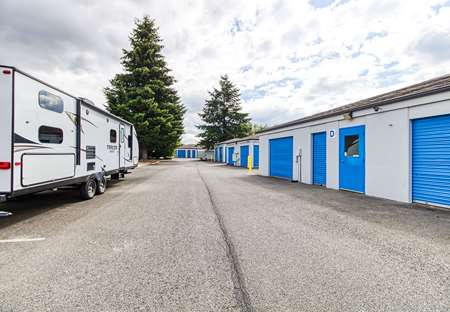 SmartStopSelfStorage-PuyallupWA-1401NMeridianAve-Parking